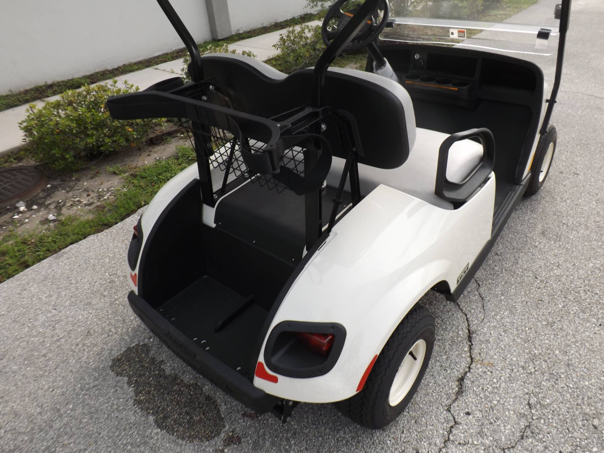 2019 E-Z-GO Freedom TXT Electric in Lakeland, Florida - Photo 12