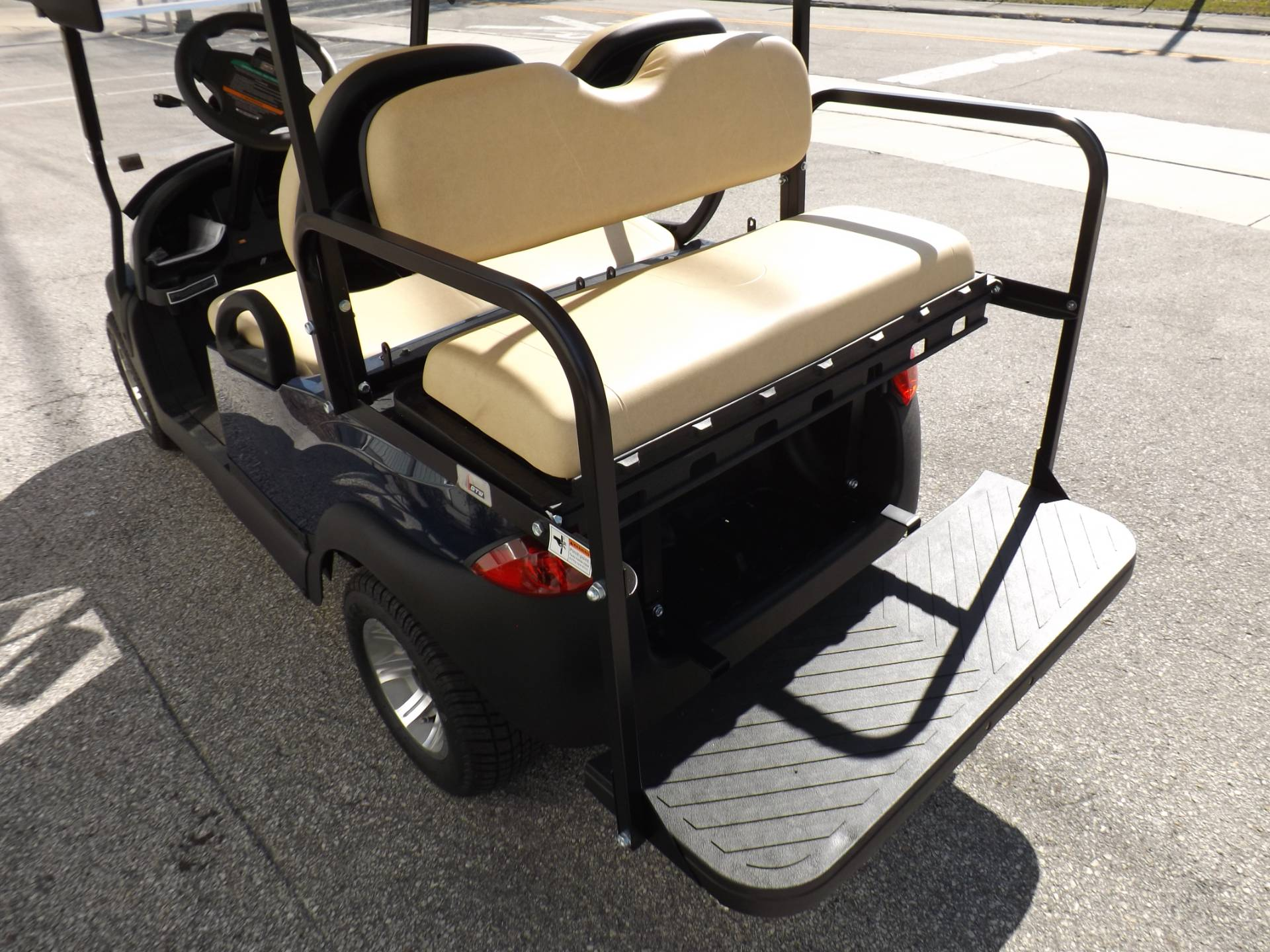 2021 Club Car Villager 2 Electric in Lakeland, Florida - Photo 15