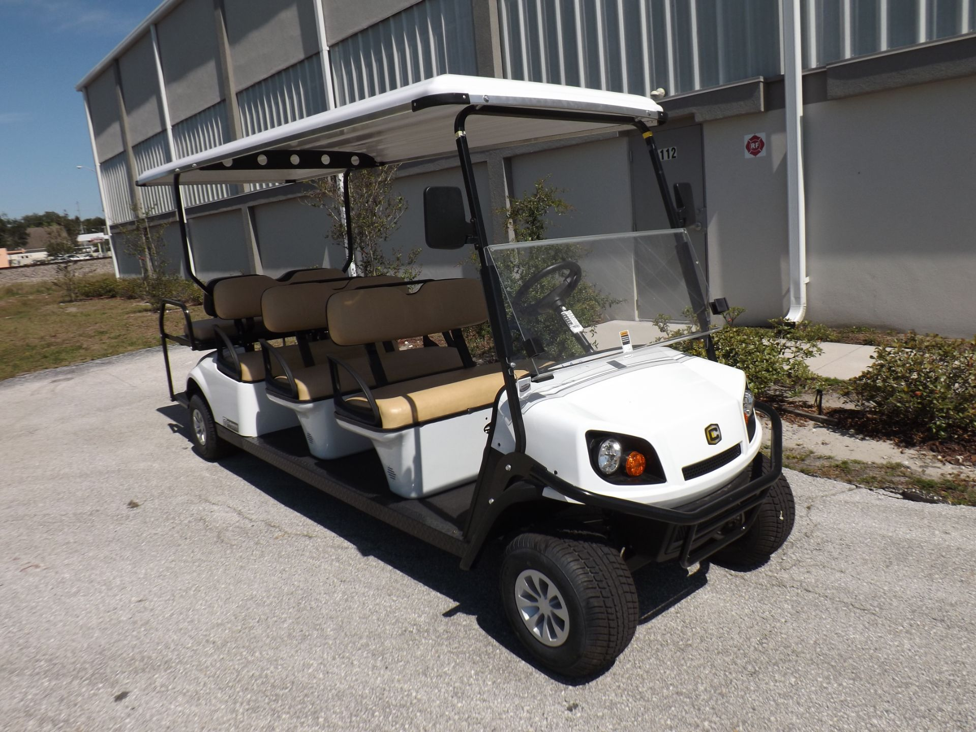 2019 Cushman Shuttle 8 EFI Gas in Lakeland, Florida - Photo 1