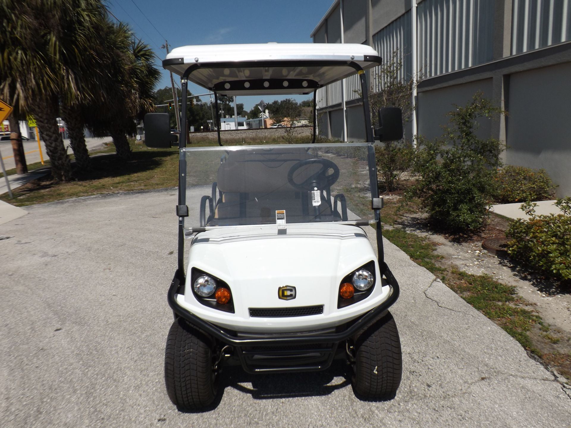 2019 Cushman Shuttle 8 EFI Gas in Lakeland, Florida - Photo 2