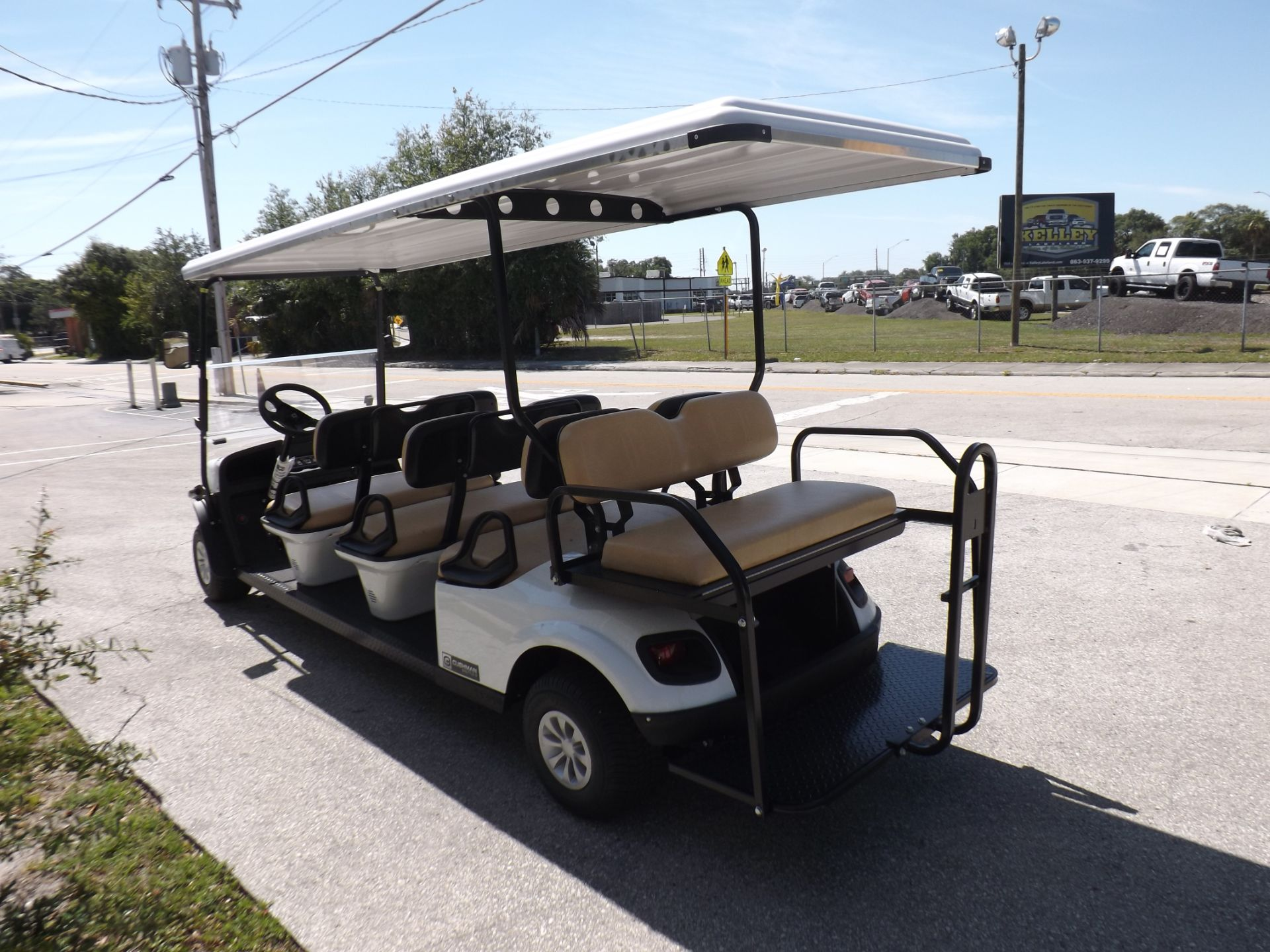 2019 Cushman Shuttle 8 EFI Gas in Lakeland, Florida - Photo 5