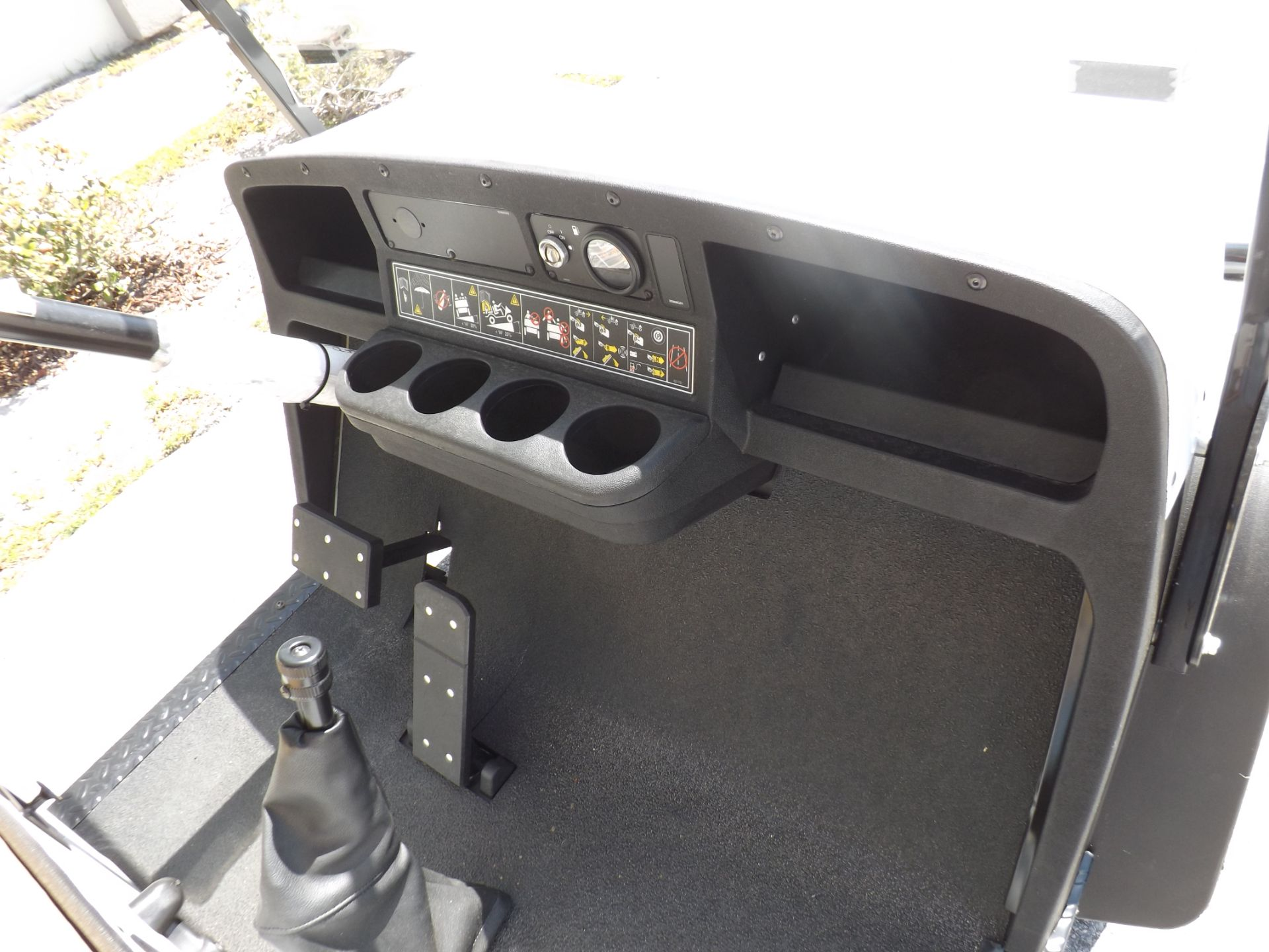 2019 Cushman Shuttle 8 EFI Gas in Lakeland, Florida - Photo 8