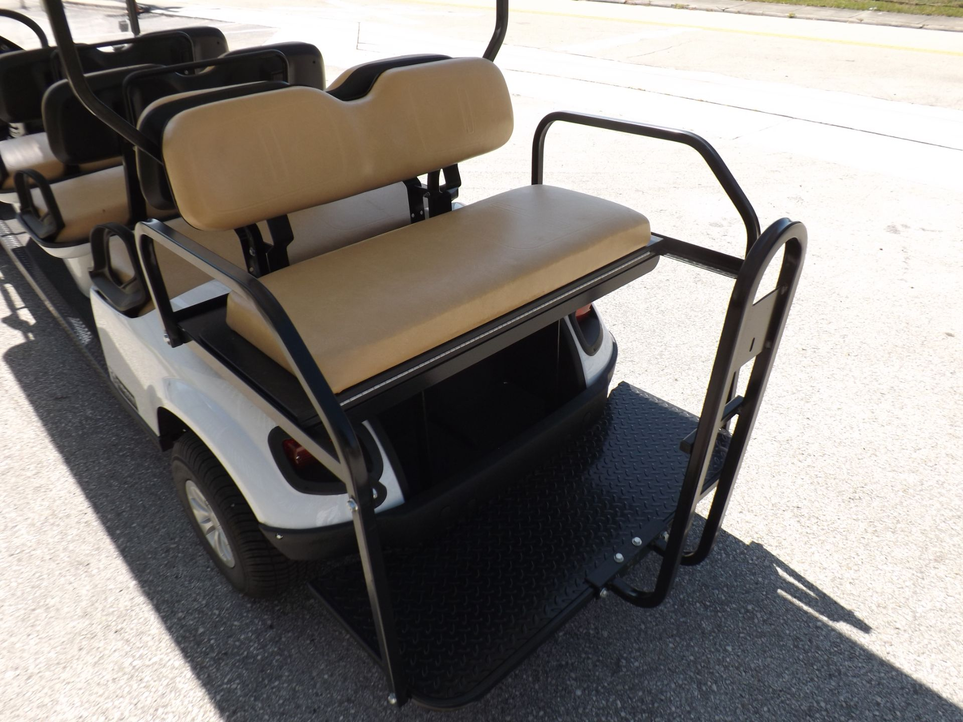 2019 Cushman Shuttle 8 EFI Gas in Lakeland, Florida - Photo 16