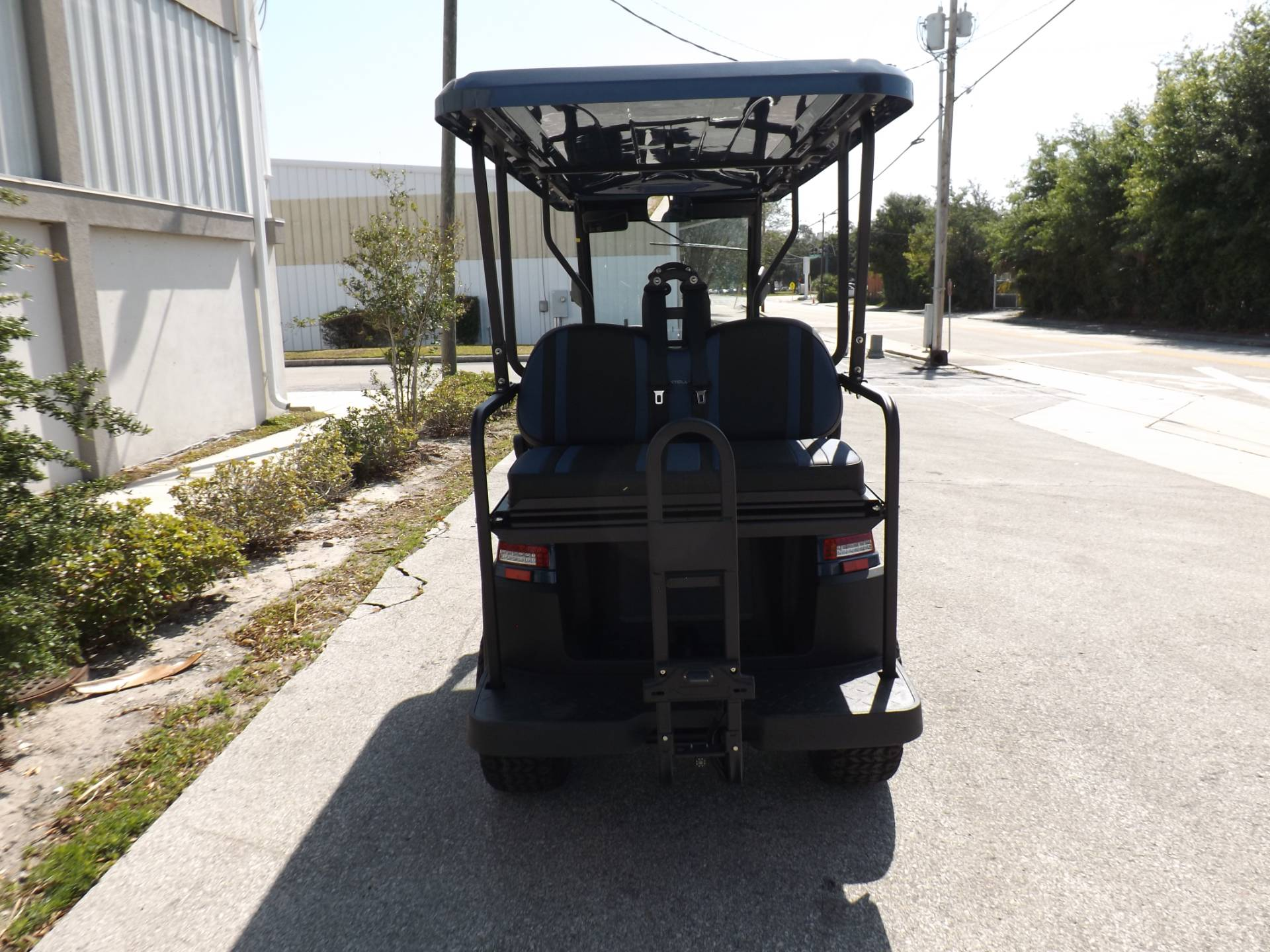 2021 Bintelli BEYOND 6P LIFTED STREET LEGAL GOLF CART in Lakeland, Florida - Photo 4