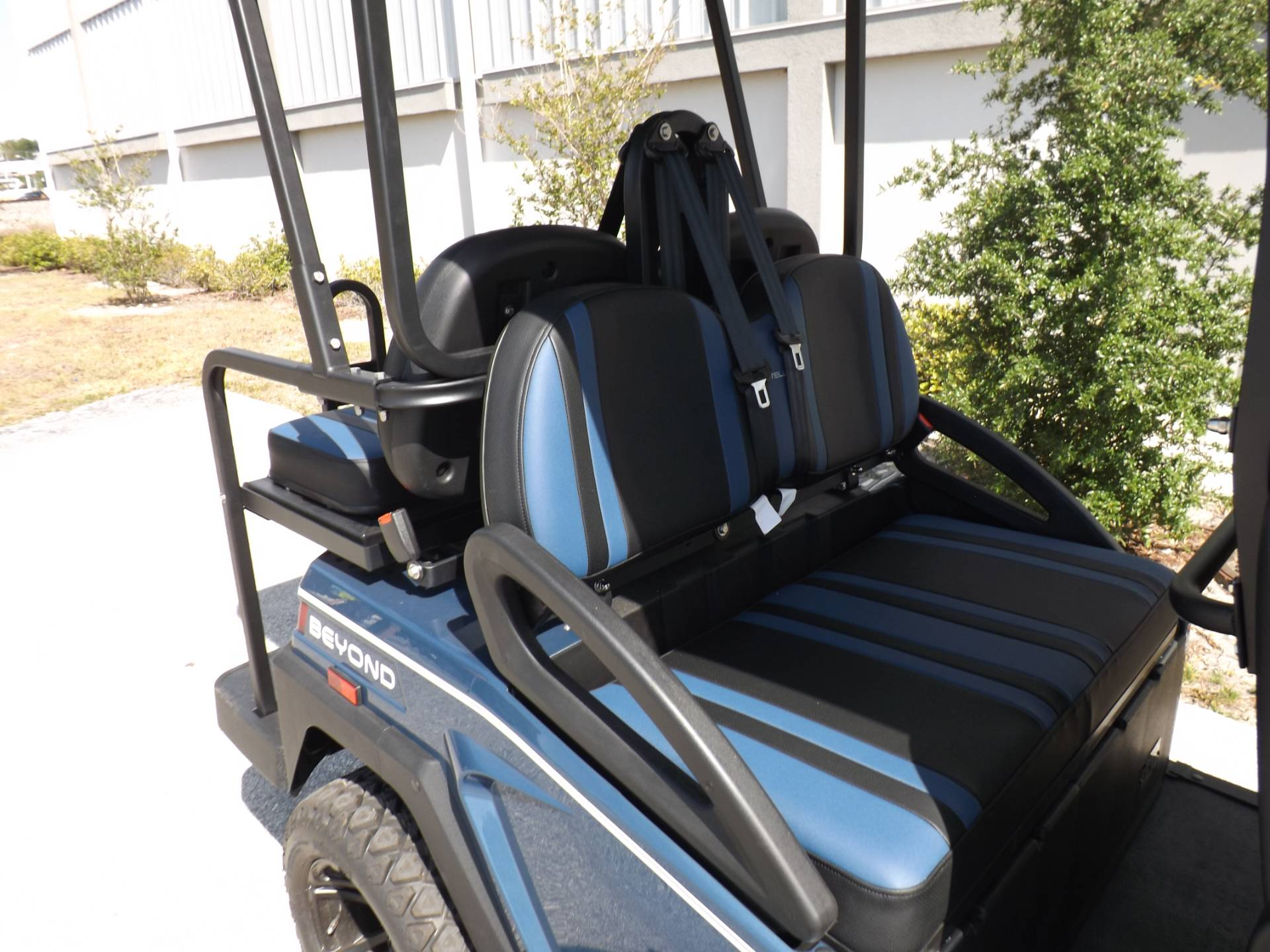 2021 Bintelli BEYOND 6P LIFTED STREET LEGAL GOLF CART in Lakeland, Florida - Photo 14