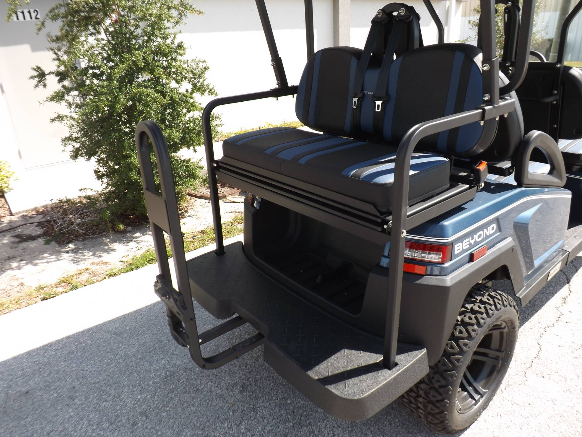 2021 Bintelli BEYOND 6P LIFTED STREET LEGAL GOLF CART in Lakeland, Florida - Photo 16