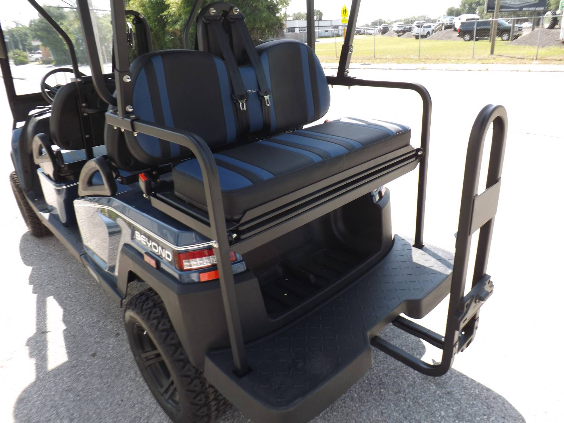 2021 Bintelli BEYOND 6P LIFTED STREET LEGAL GOLF CART in Lakeland, Florida - Photo 18