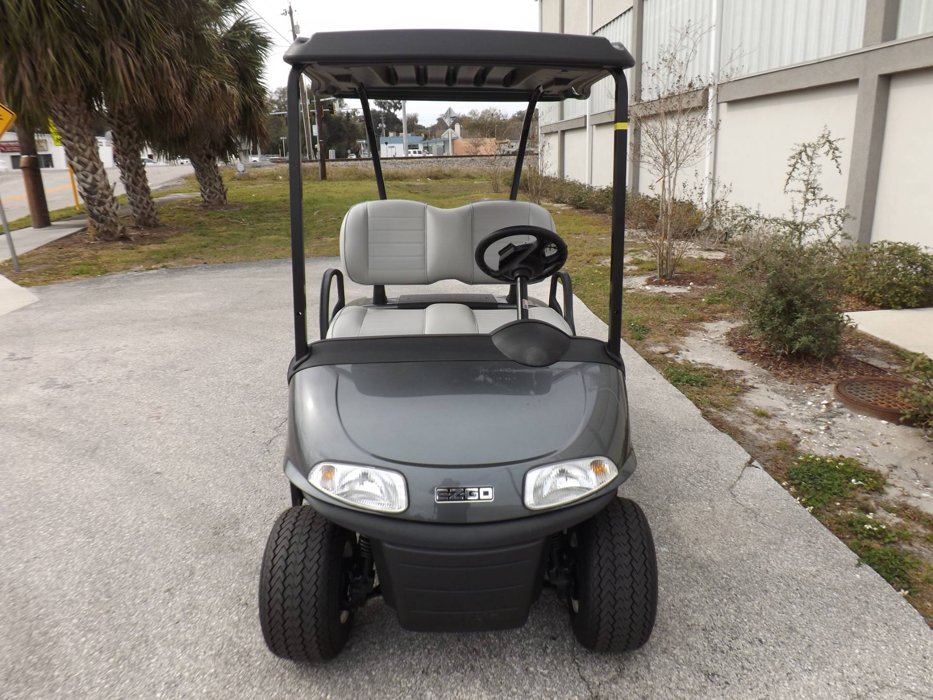 2020 E-Z-GO Freedom RXV Elite (Lithium) Electric in Lakeland, Florida - Photo 2