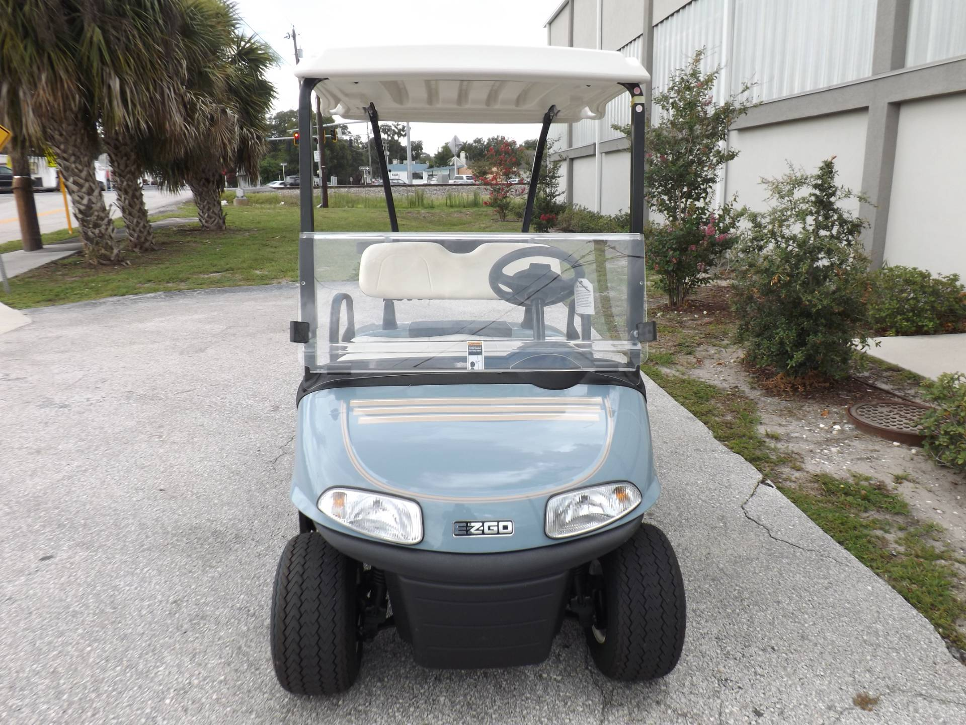 2019 E-Z-GO Freedom RXV Electric in Lakeland, Florida - Photo 2