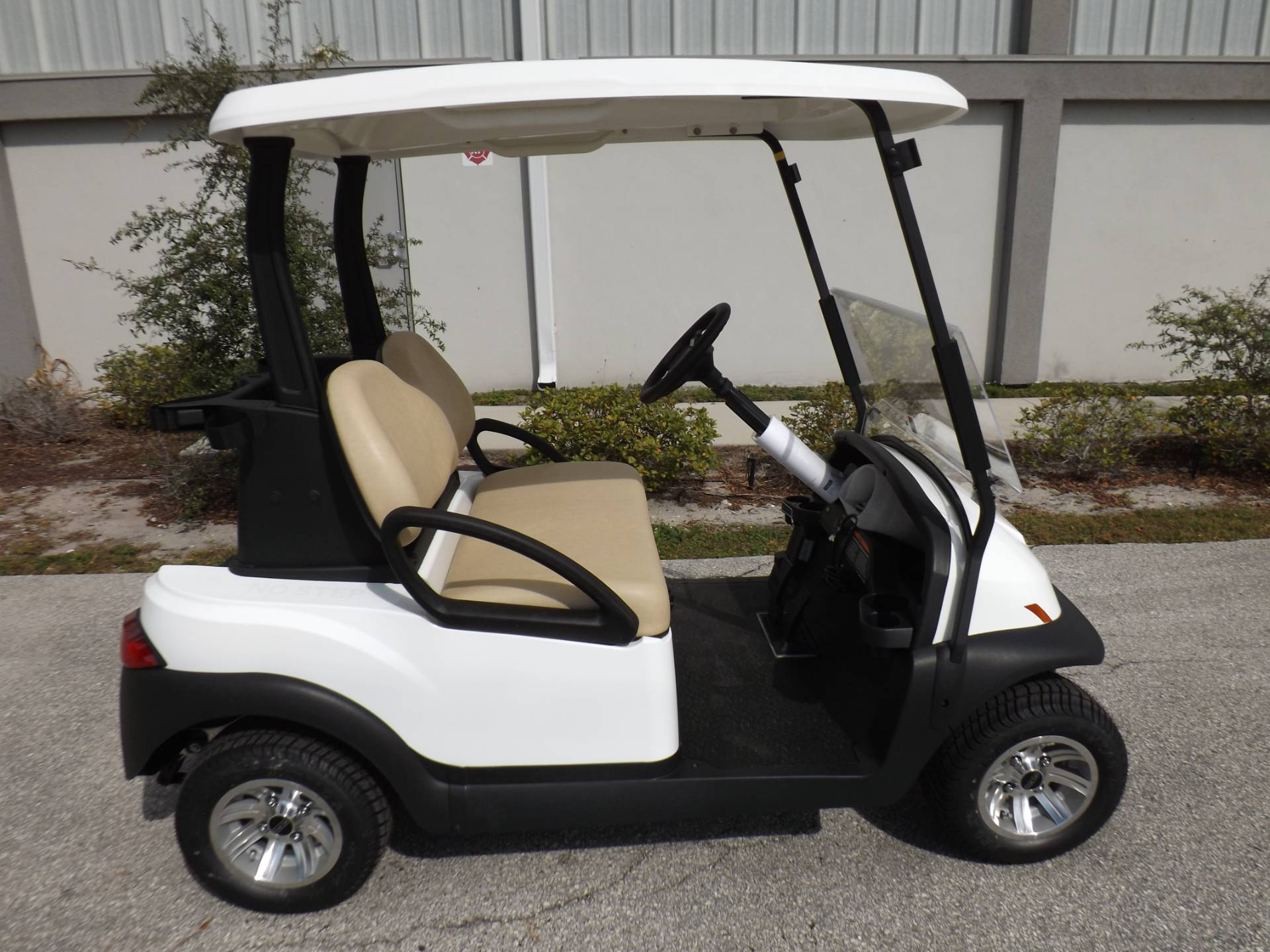 2021 Club Car Villager 2 Electric in Lakeland, Florida - Photo 3