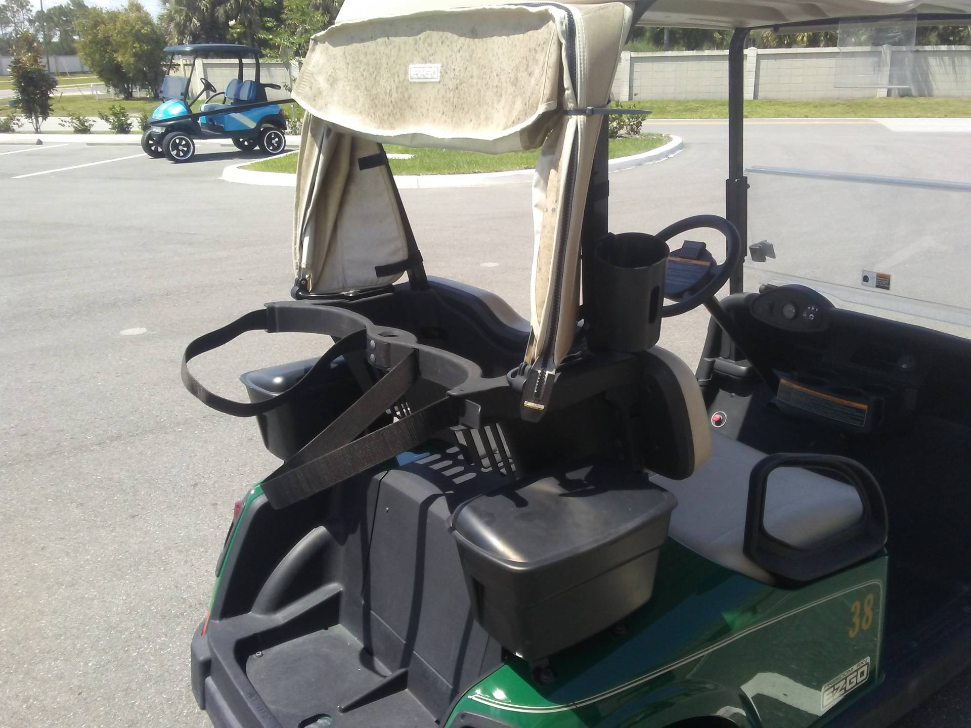 2017 E-Z-GO Golf RXV Electric in Lakeland, Florida - Photo 10