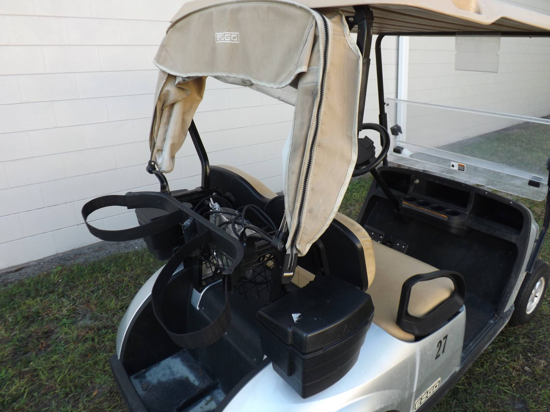 2017 E-Z-GO Golf TXT Electric in Lakeland, Florida - Photo 10