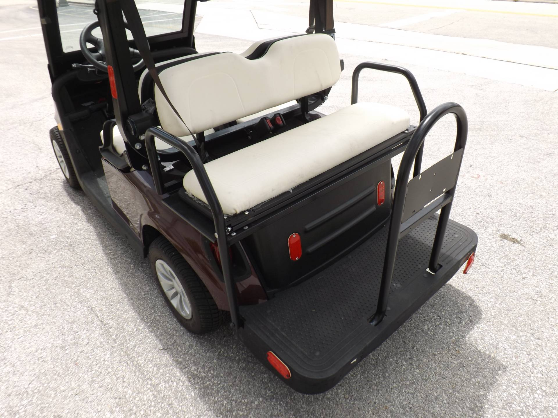 2019 E-Z-GO 2FIVE LSV - 4 Passenger in Lakeland, Florida - Photo 16