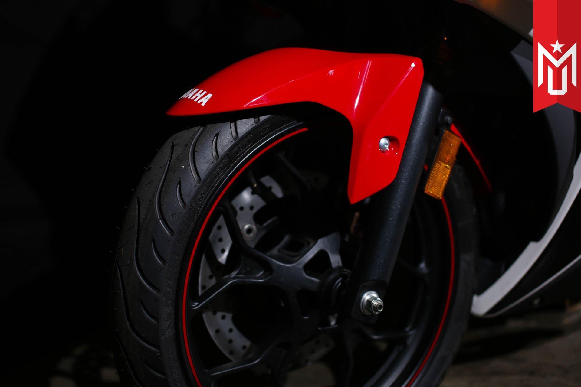 2016 Yamaha YZF-R3 10