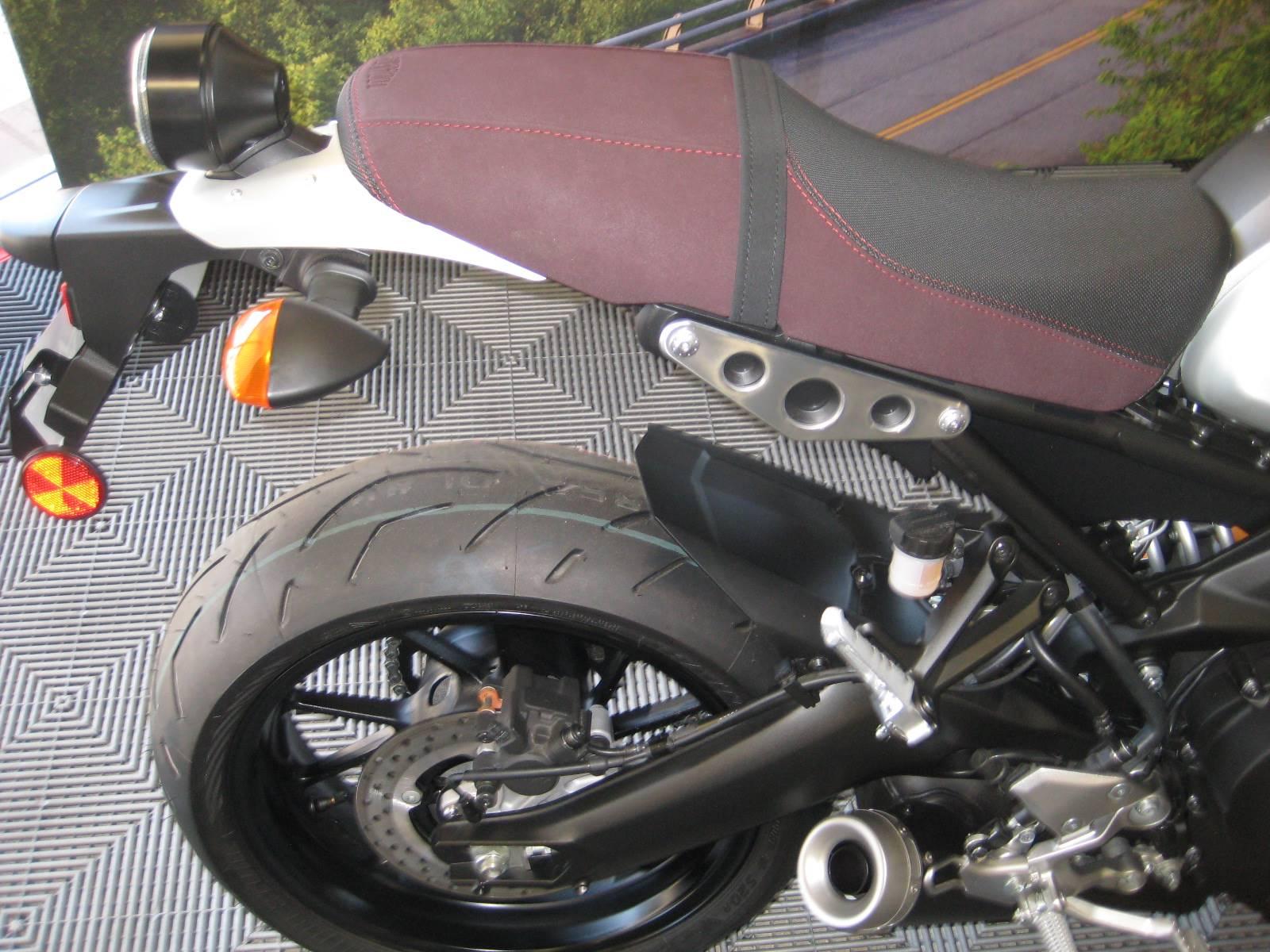 2016 Yamaha XSR900 10