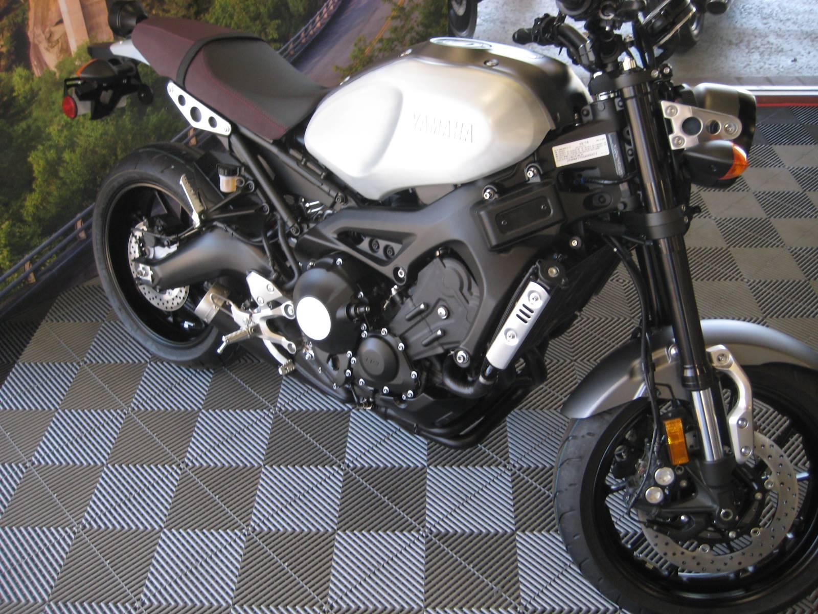 2016 Yamaha XSR900 4