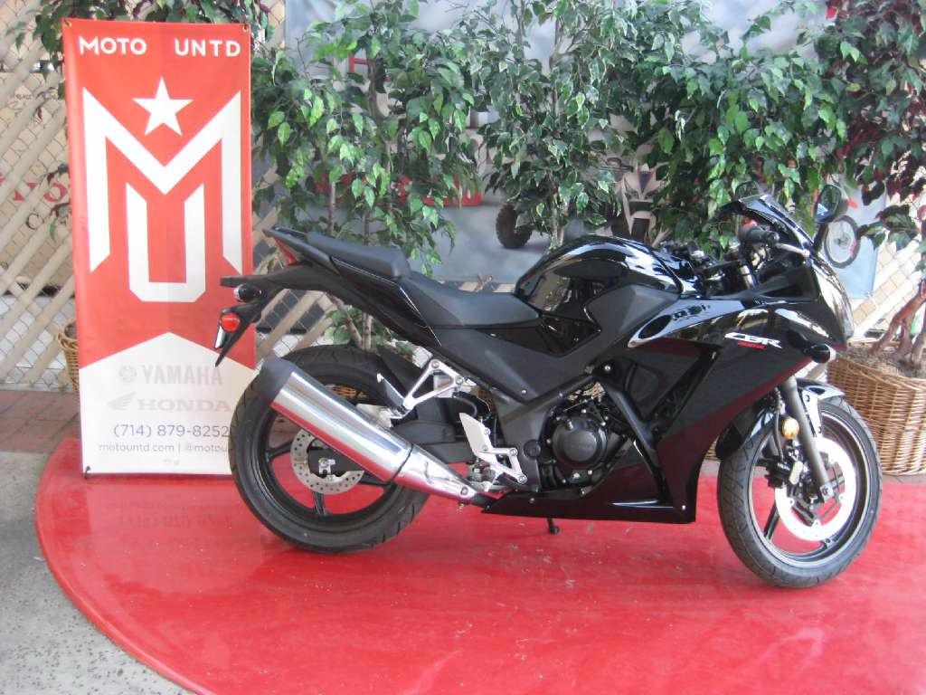 2015 Honda CBR®300R in La Habra, California