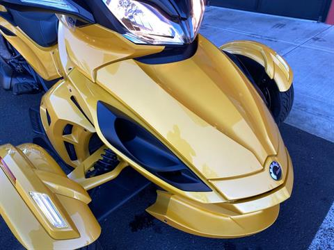 2013 Can-Am Spyder® ST-S SE5 in Portland, Oregon - Photo 3