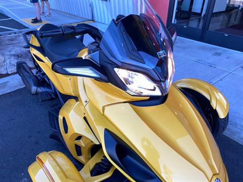 2013 Can-Am Spyder® ST-S SE5 in Portland, Oregon - Photo 4