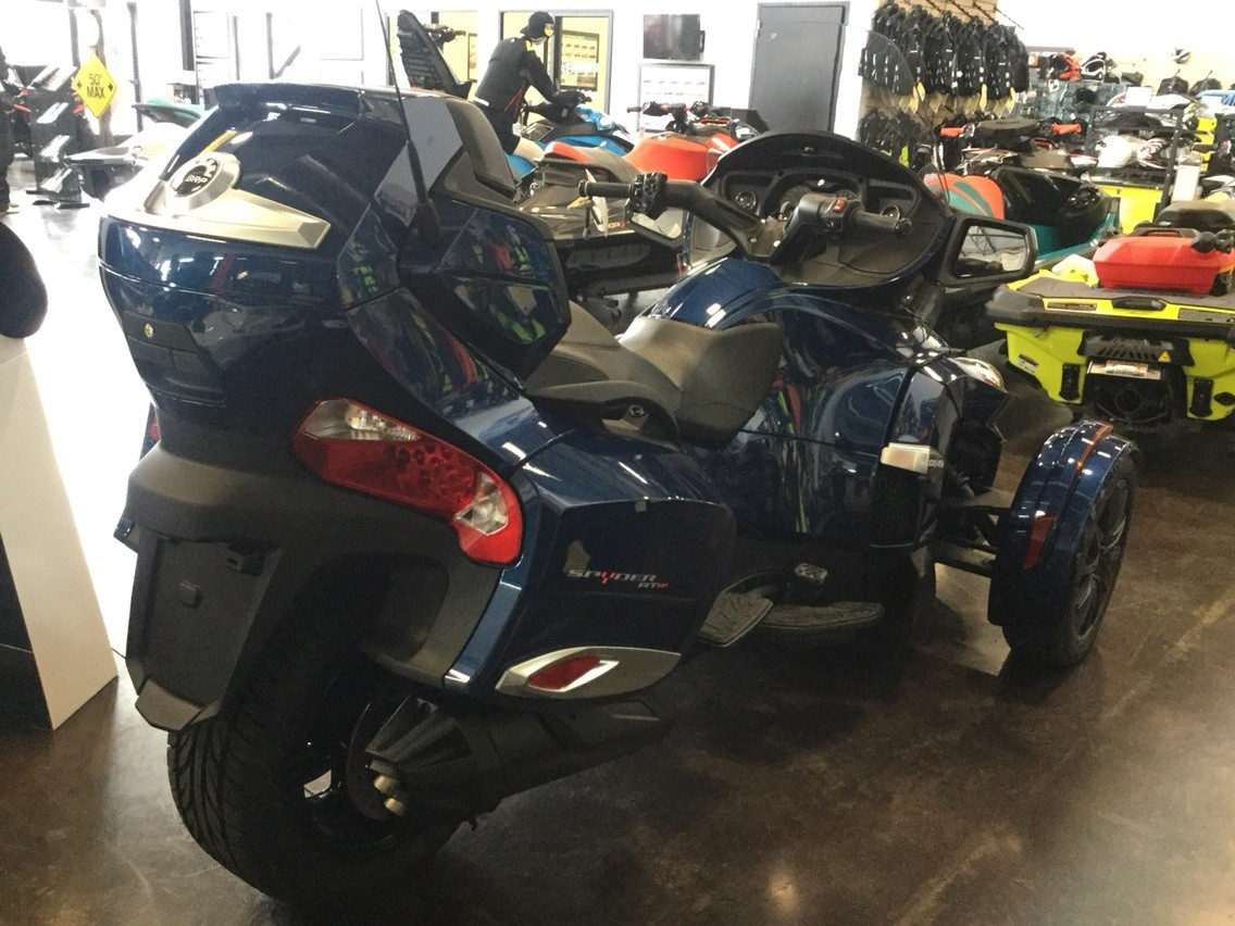 2017 Can-Am Spyder RT-S in Portland, Oregon - Photo 3