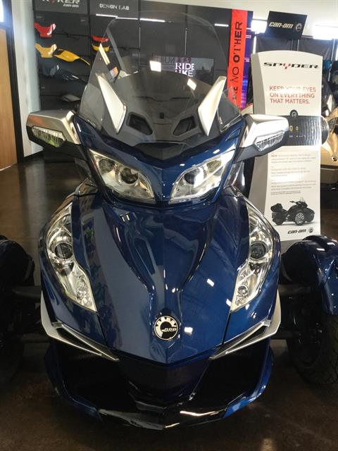 2017 Can-Am Spyder RT-S in Portland, Oregon - Photo 9