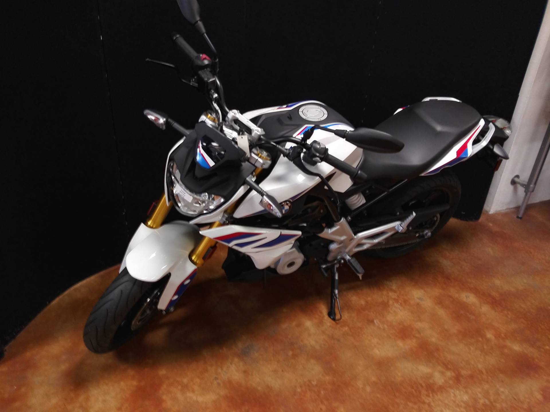 2018 BMW G 310 R in Baton Rouge, Louisiana - Photo 5