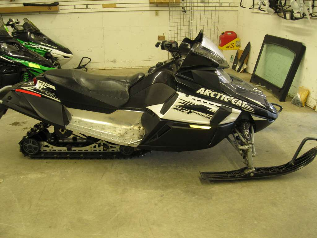 2009 Arctic Cat Z1 Turbo in Calmar, Iowa - Photo 1
