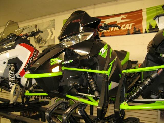 2018 Arctic Cat ZR 6000 ES (137) in Calmar, Iowa