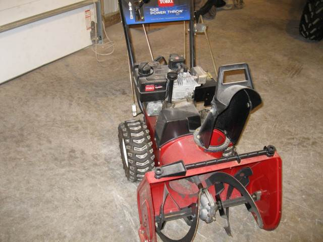 2001 Toro Power Throw® 522 in Calmar, Iowa
