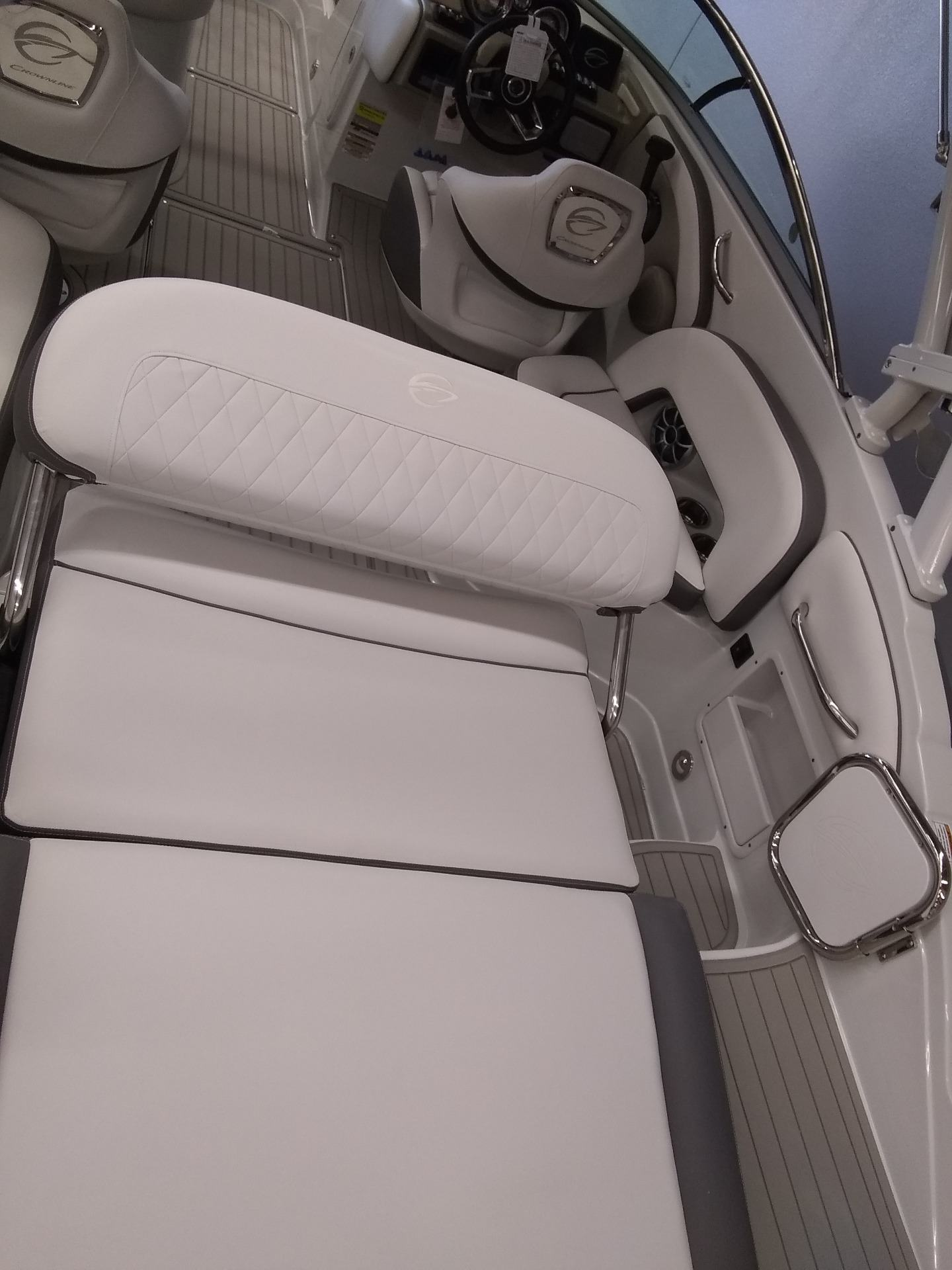 2020 Crownline Eclipse E235 in Sterling, Colorado - Photo 10