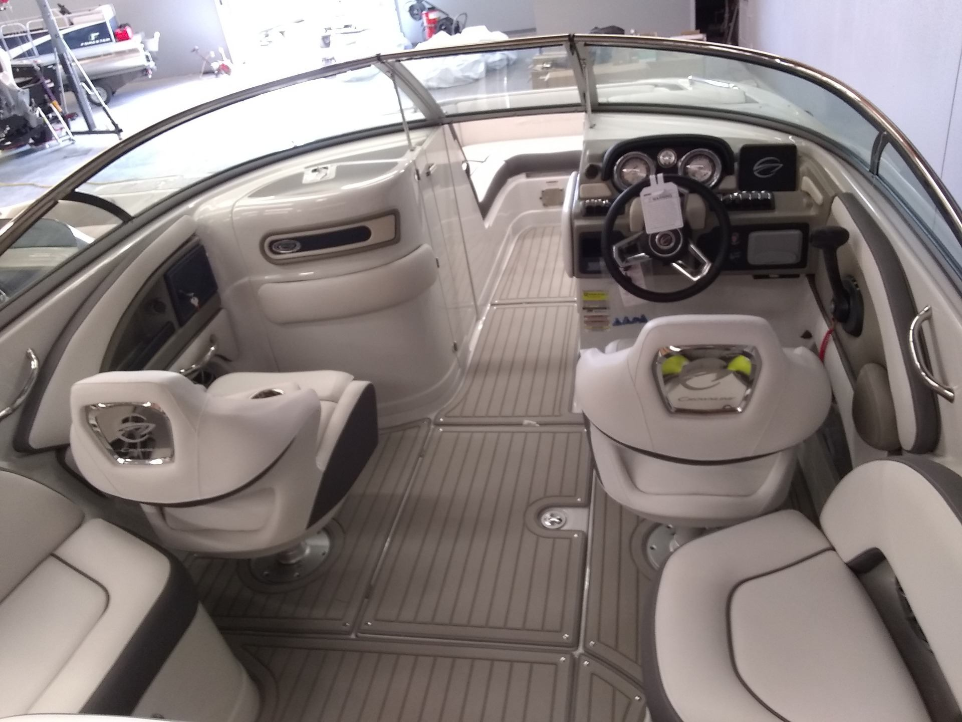 2020 Crownline Eclipse E235 in Sterling, Colorado - Photo 18