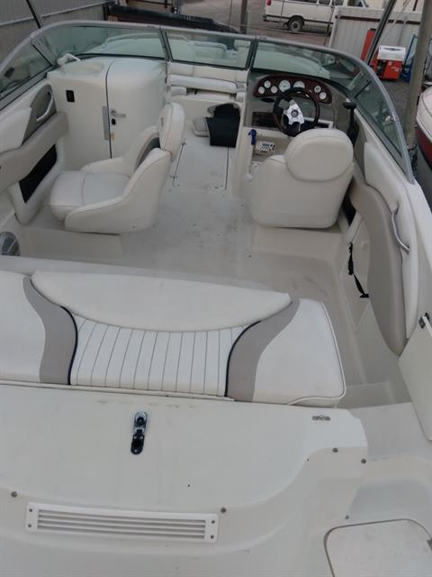 2004 Caravelle 218 Deck Boat in Sterling, Colorado - Photo 7