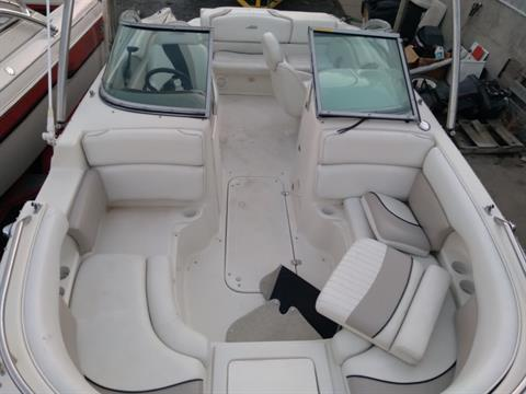 2004 Caravelle 218 Deck Boat in Sterling, Colorado - Photo 10
