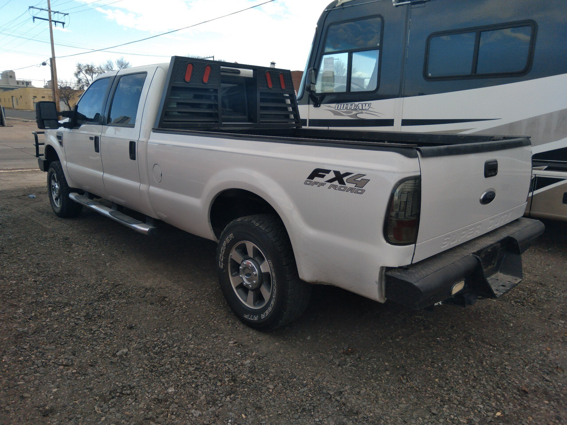 2010 Ford F-250 SUPER DUTY XLT 4X4 in Sterling, Colorado - Photo 3