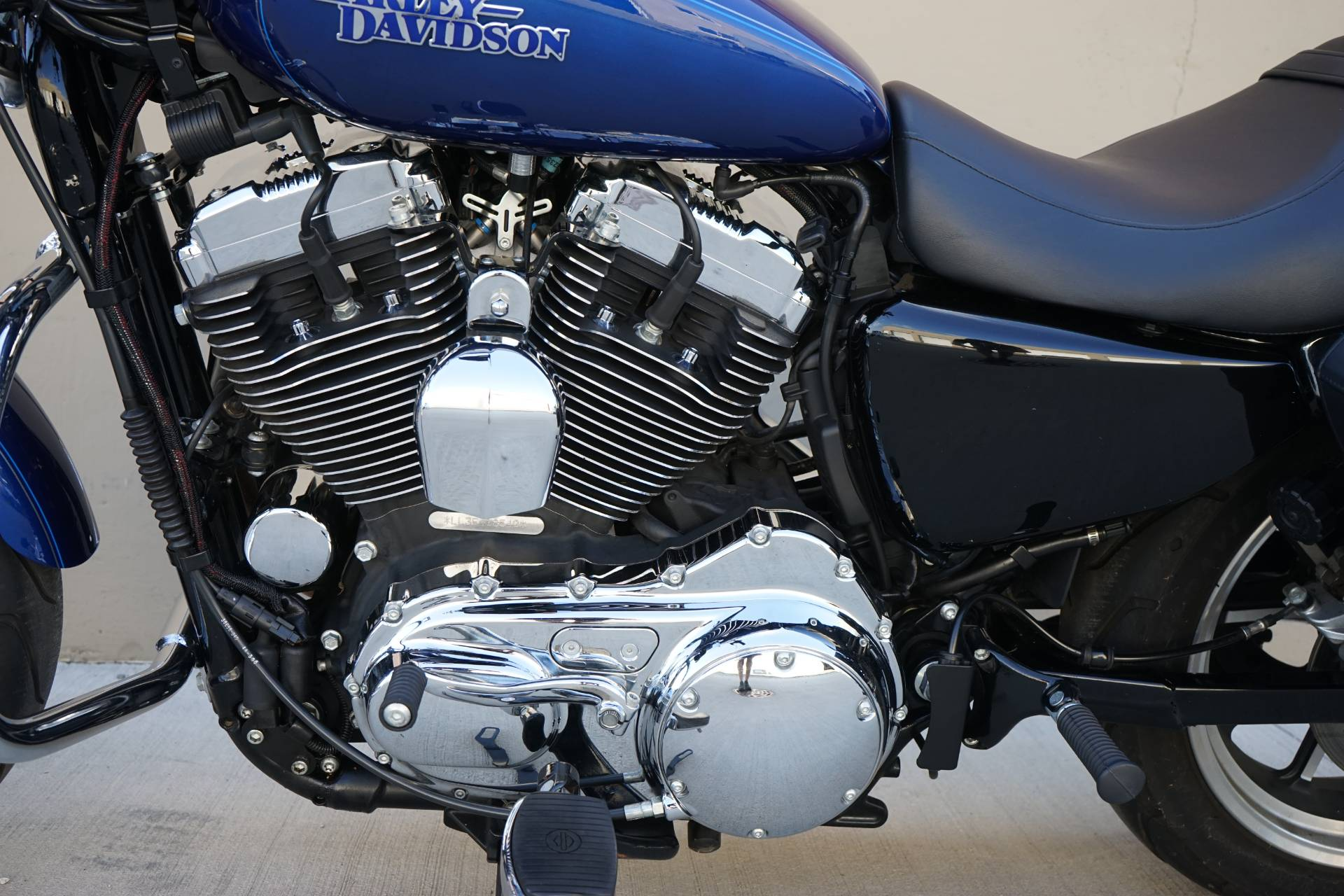 2015 Harley-Davidson SuperLow® 1200T in Roselle, Illinois - Photo 15