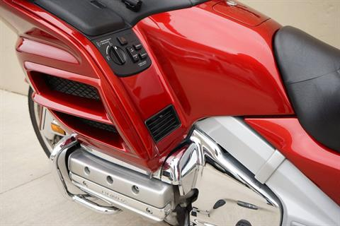 2008 Honda Gold Wing® Premium Audio in Roselle, Illinois - Photo 10