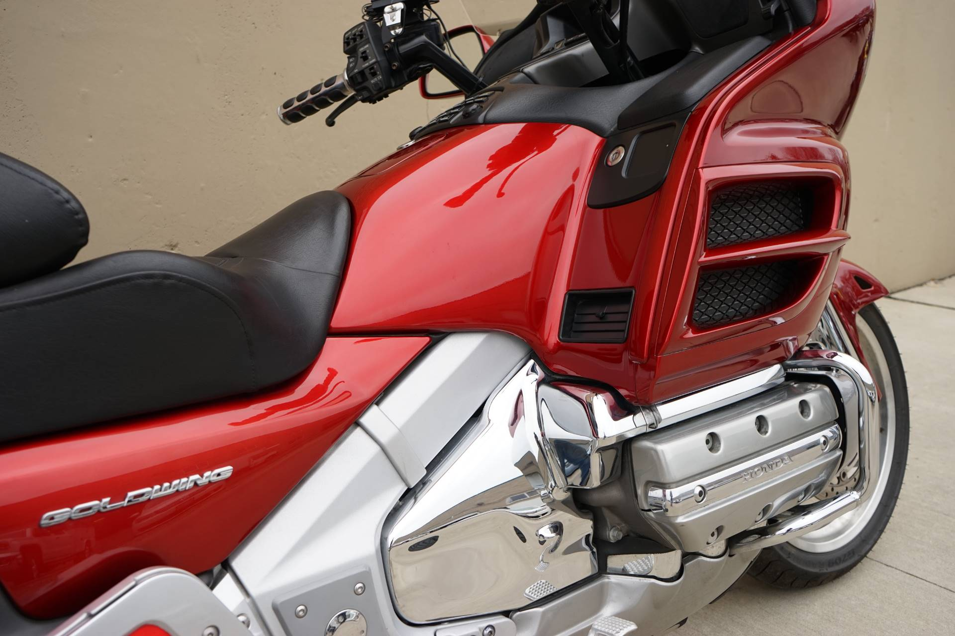 2008 Honda Gold Wing® Premium Audio in Roselle, Illinois - Photo 19