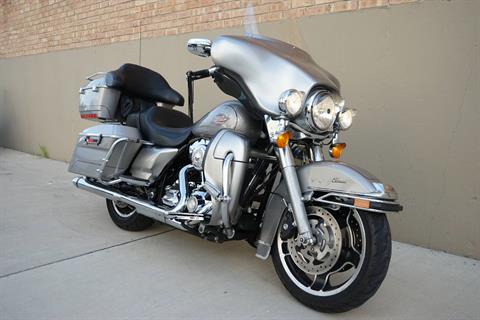 2009 Harley-Davidson Electra Glide® Classic in Roselle, Illinois - Photo 2