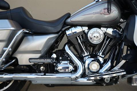 2009 Harley-Davidson Electra Glide® Classic in Roselle, Illinois - Photo 13