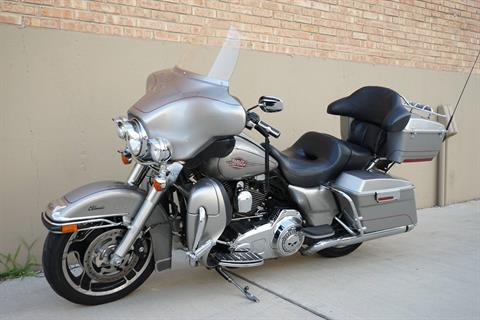 2009 Harley-Davidson Electra Glide® Classic in Roselle, Illinois - Photo 6
