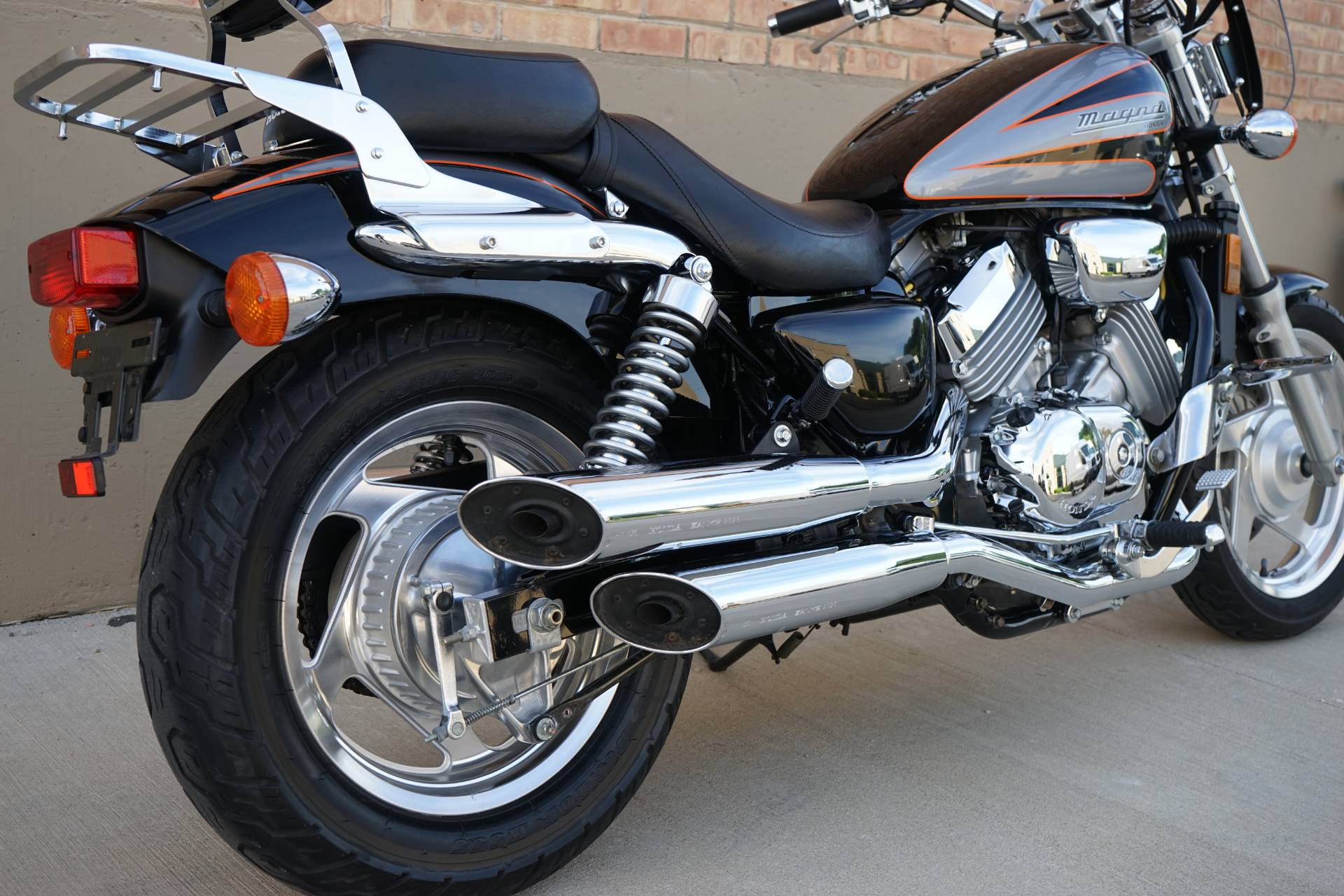 1998 Honda Magna in Roselle, Illinois - Photo 13