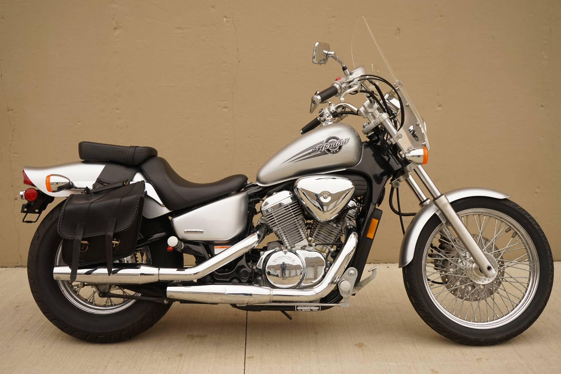 2006 Honda Shadow® VLX Deluxe in Roselle, Illinois - Photo 1