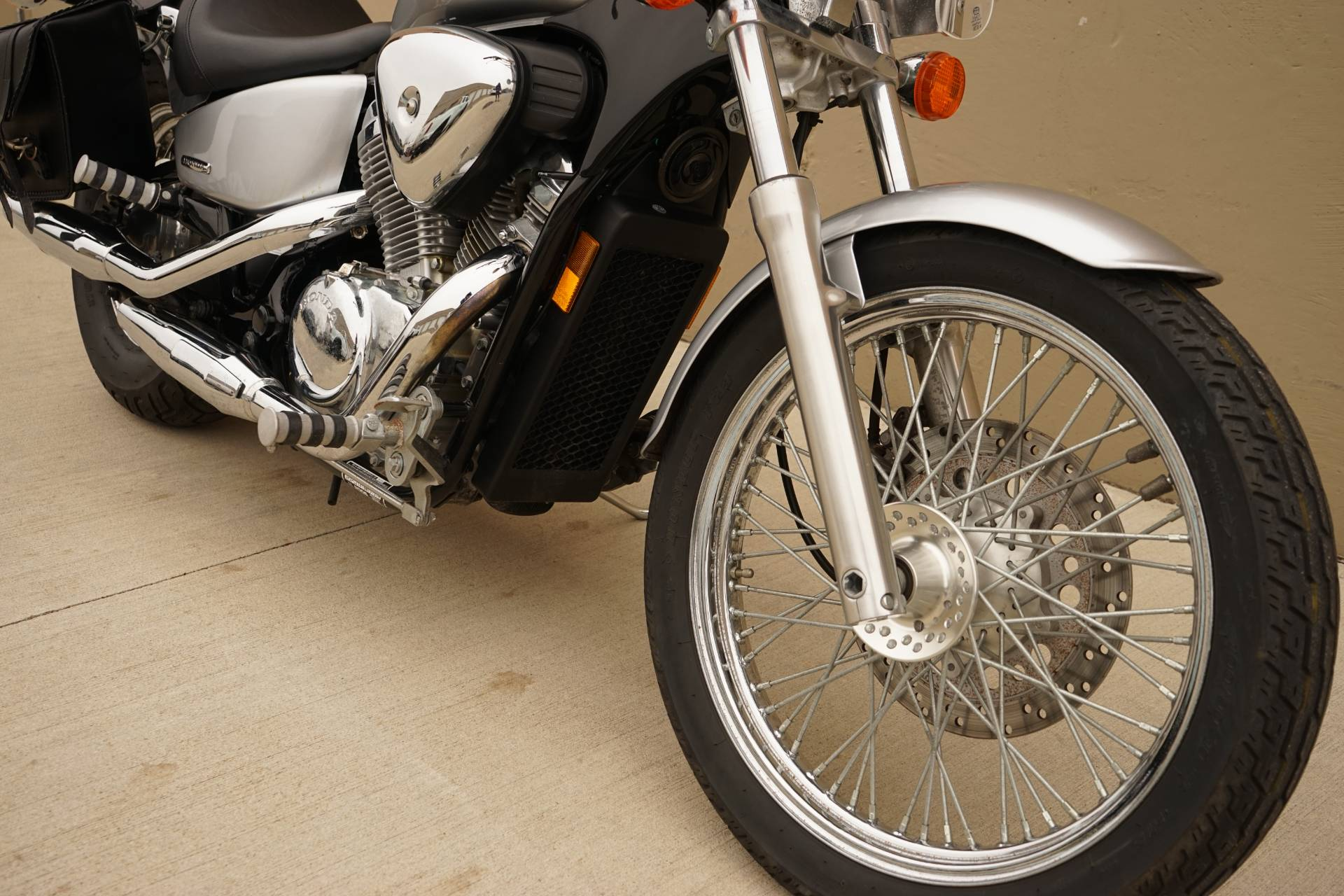 2006 Honda Shadow® VLX Deluxe in Roselle, Illinois - Photo 14