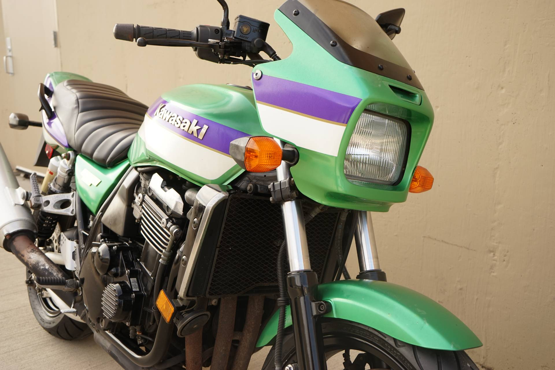 2000 Kawasaki ZRX1100 in Roselle, Illinois - Photo 10