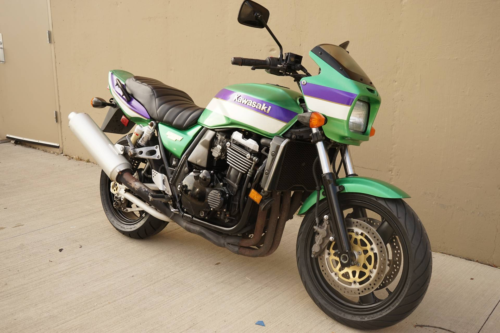 2000 Kawasaki ZRX1100 in Roselle, Illinois - Photo 2