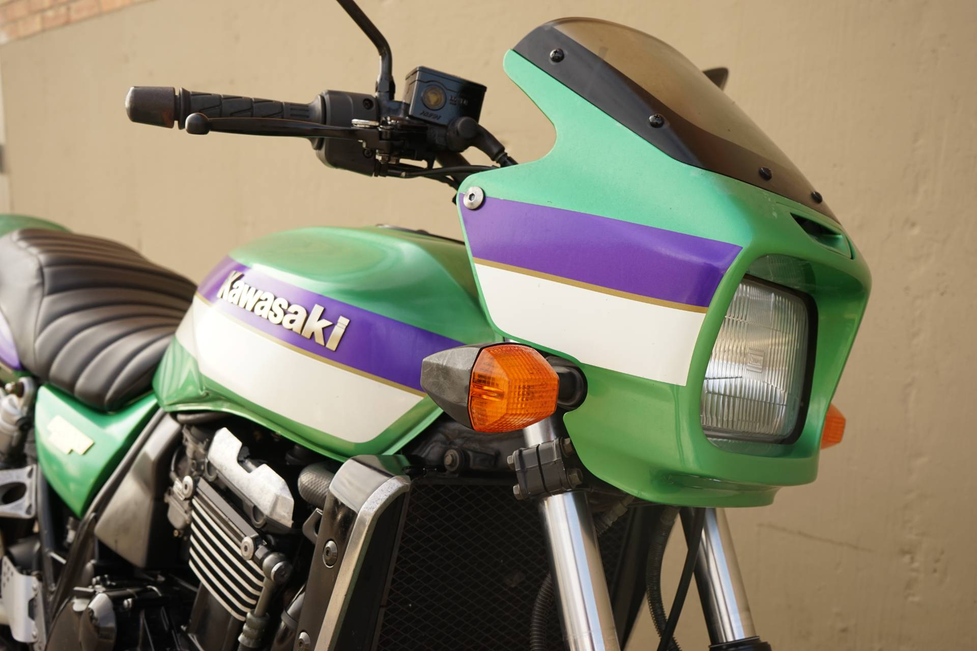 2000 Kawasaki ZRX1100 in Roselle, Illinois - Photo 16
