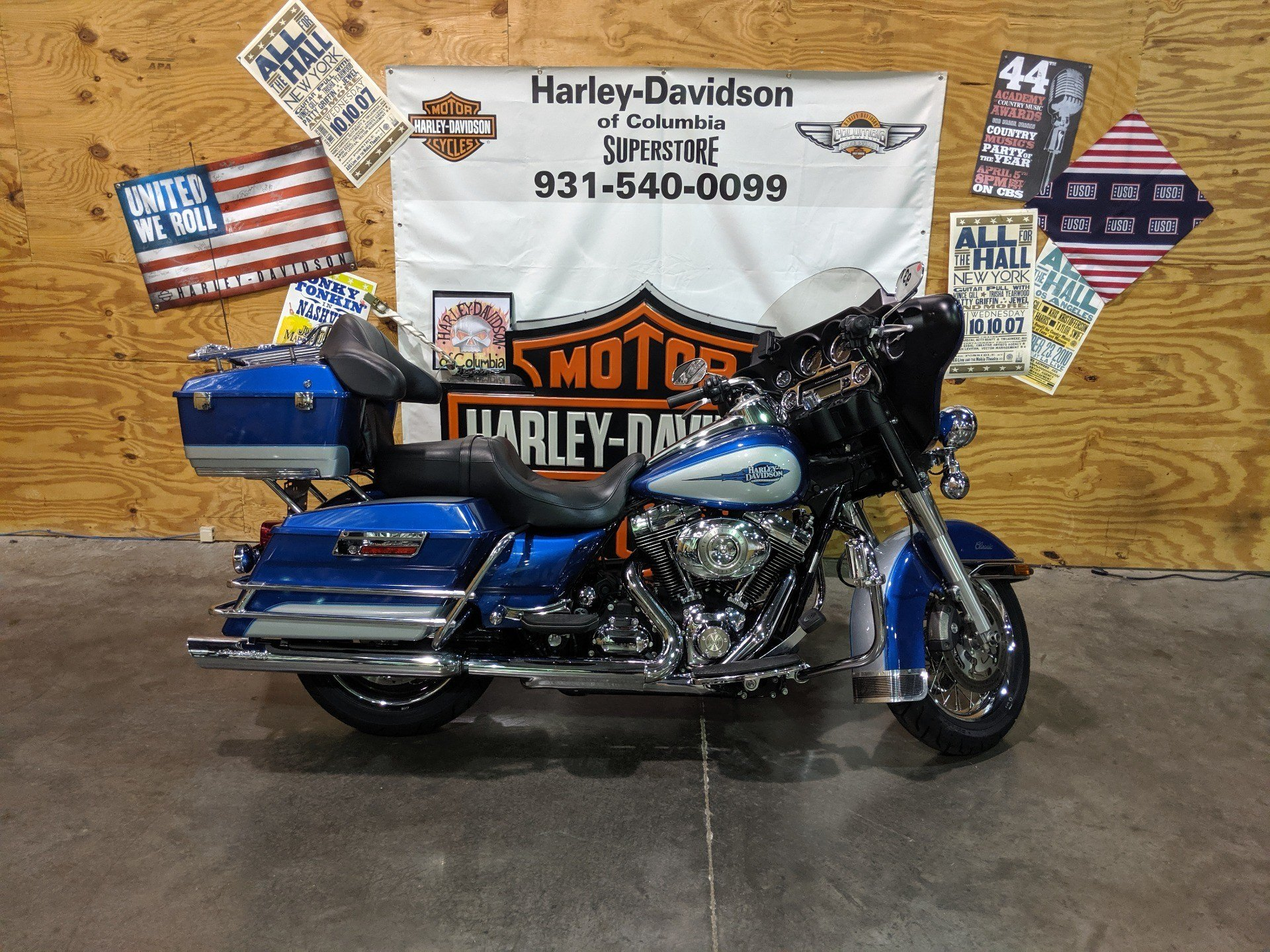 2010 Harley-Davidson FLHTCU in Columbia, Tennessee - Photo 1