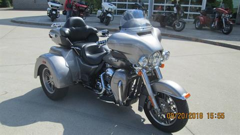 2016 Harley-Davidson Tri Glide® Ultra in Columbia, Tennessee - Photo 2