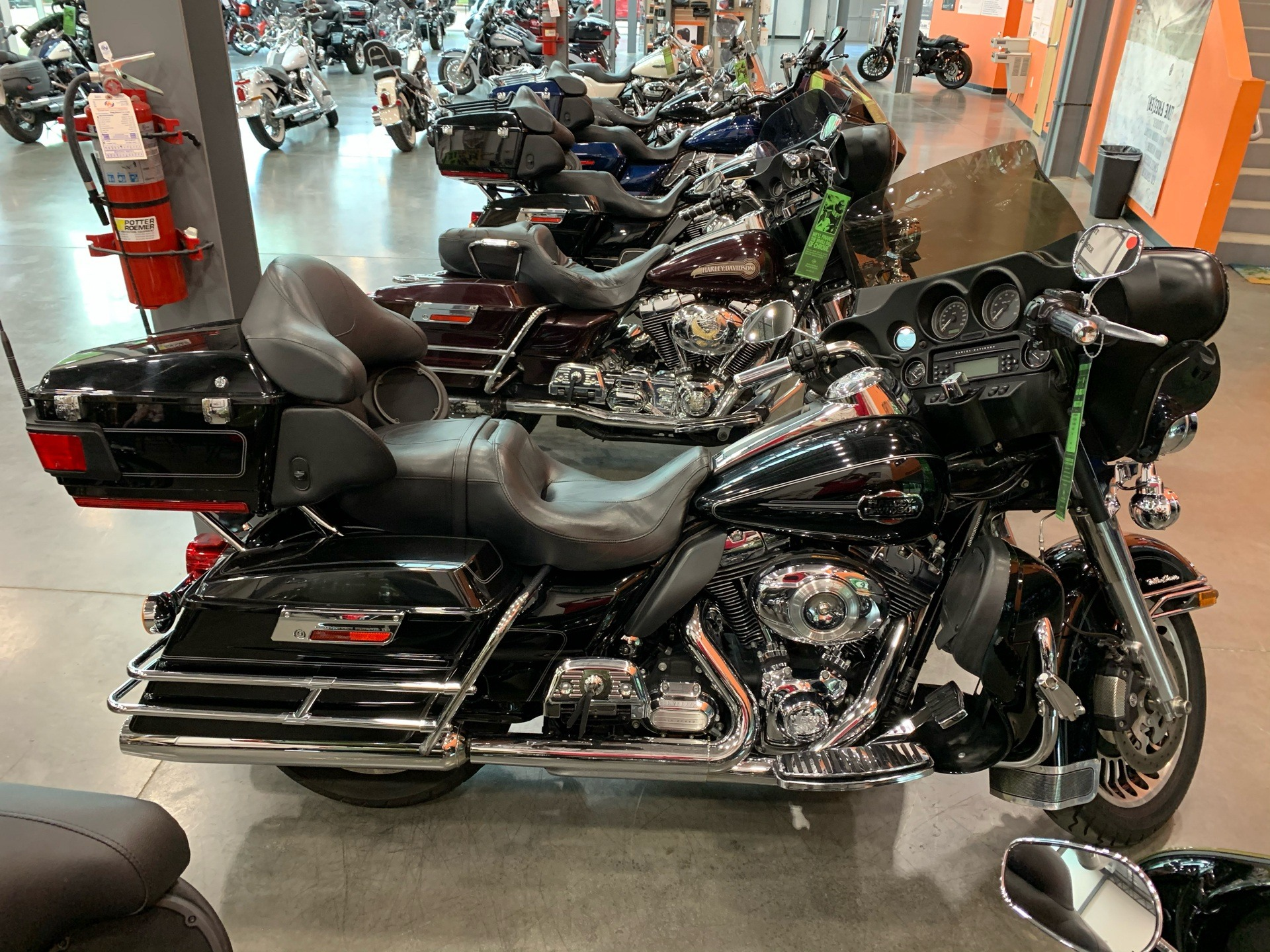 2012 Harley-Davidson FLHTCU in Columbia, Tennessee - Photo 1