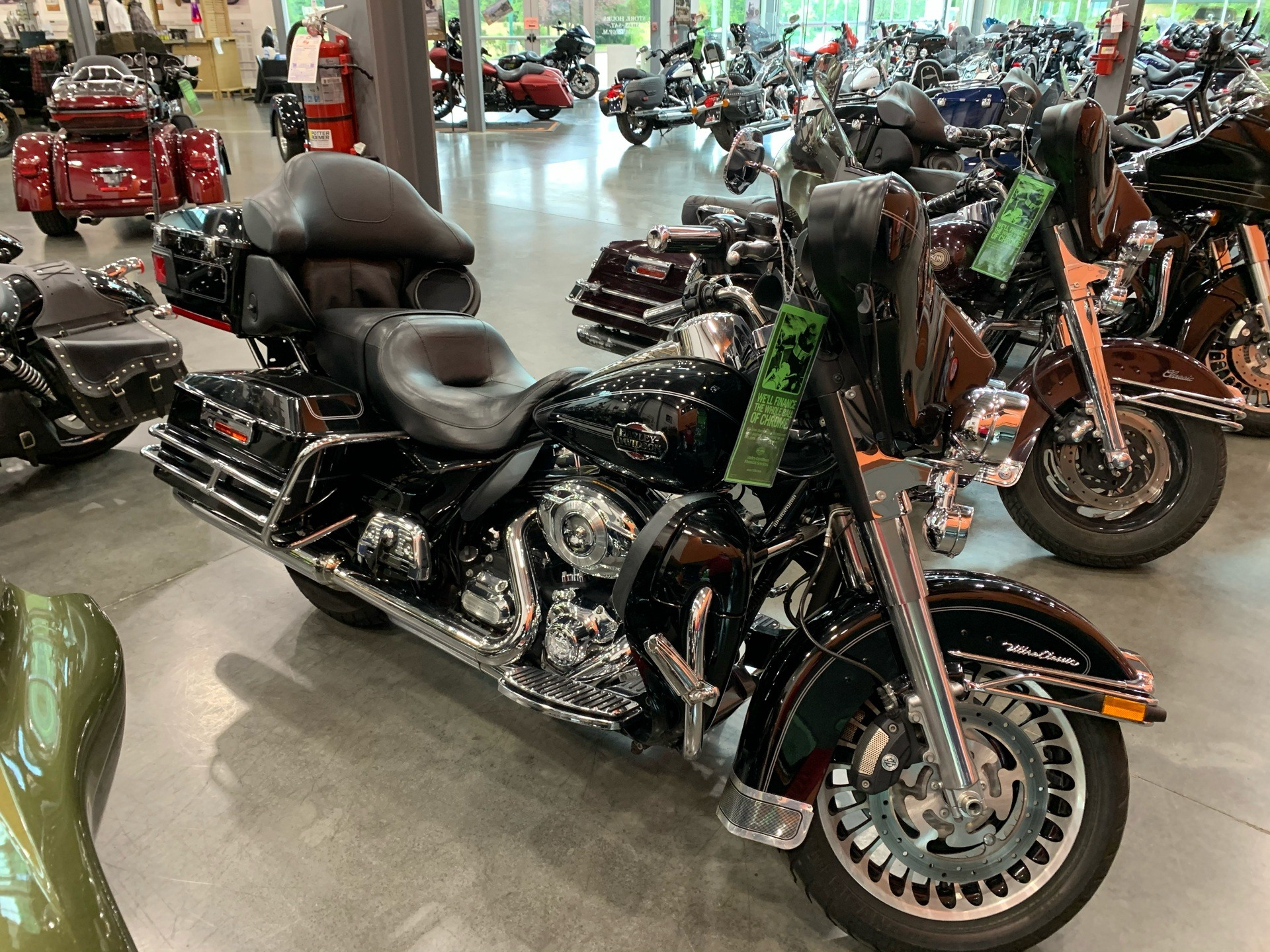 2012 Harley-Davidson FLHTCU in Columbia, Tennessee - Photo 2
